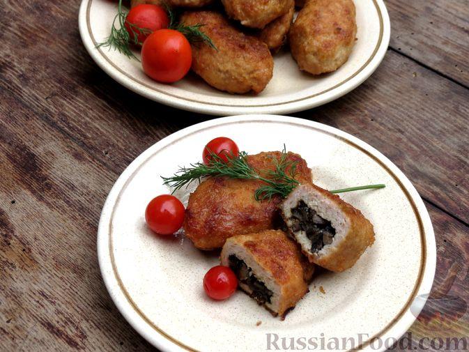 Фото приготовления рецепта: Зразы из индейки с шампиньонами и сыром (в духовке) - шаг №12
