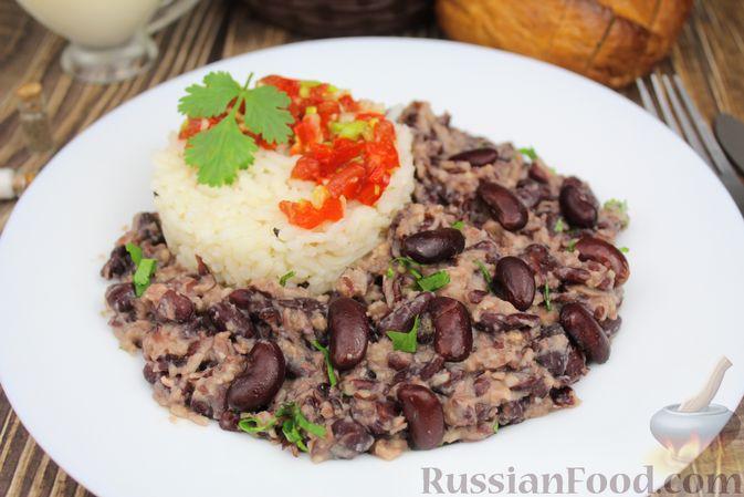 Фото к рецепту: Фасоль с луком, чесноком и перцем чили