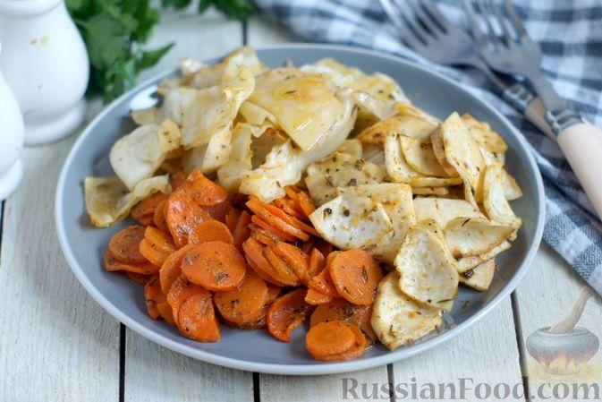 Фото к рецепту: Капуста, морковь и сельдерей, запечённые с пряностями (в духовке)