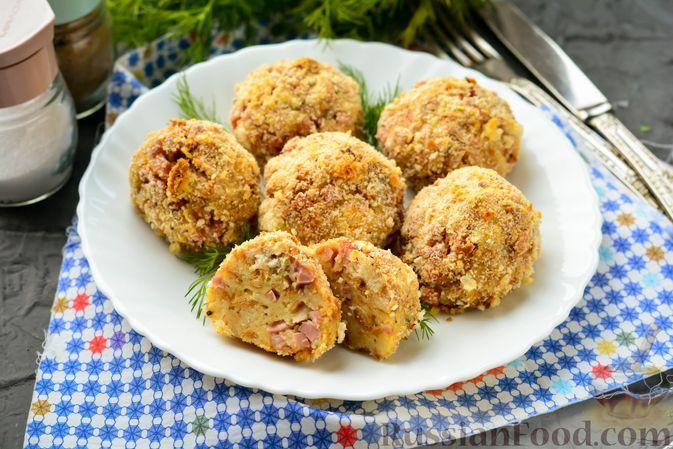 Фото приготовления рецепта: Бутерброды с намазкой из варёных яиц, солёных огурцов и сосисок - шаг №2