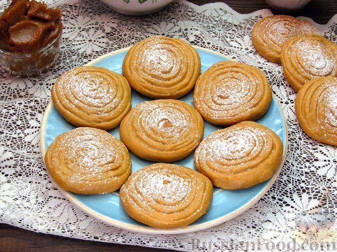 Фото к рецепту: Печенье на варёной сгущёнке
