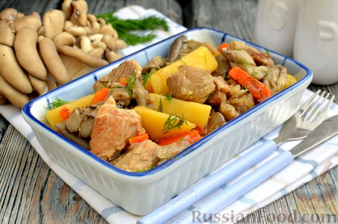 Фото к рецепту: Картошка, тушенная с мясом и вёшенками