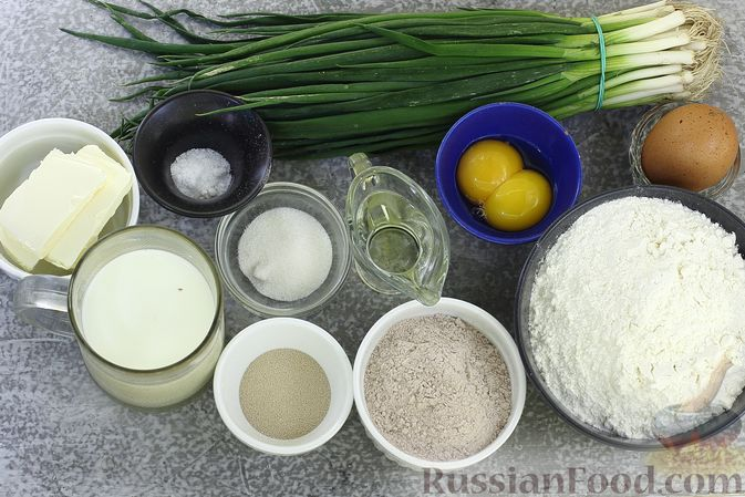 Фото приготовления рецепта: Пшенично-гречневые пирожки с зелёным луком и яйцами (в духовке) - шаг №1