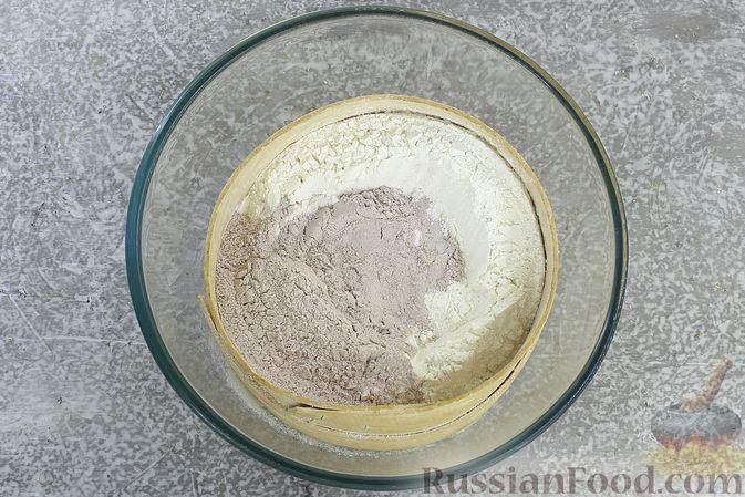 Фото приготовления рецепта: Пшенично-гречневые пирожки с зелёным луком и яйцами (в духовке) - шаг №2