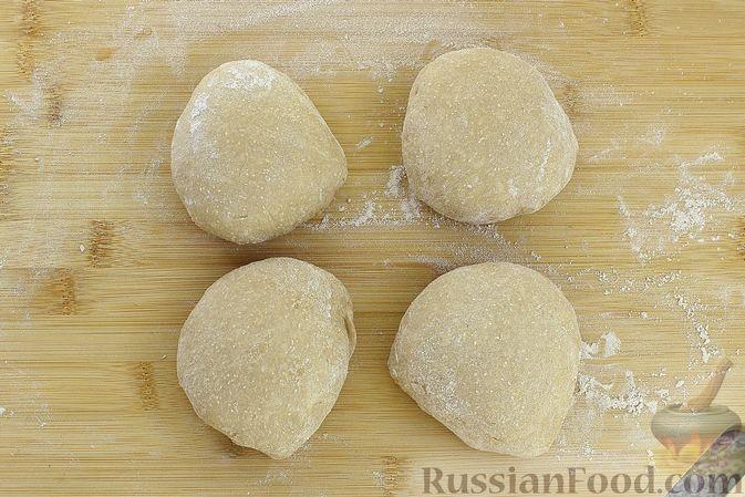 Фото приготовления рецепта: Пшенично-гречневые пирожки с зелёным луком и яйцами (в духовке) - шаг №9