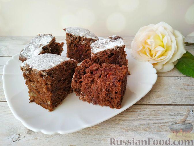 Фото к рецепту: Шоколадный брауни с вишней (постный)