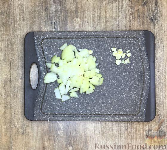 Фото приготовления рецепта: Суп из красной чечевицы с помидорами - шаг №3
