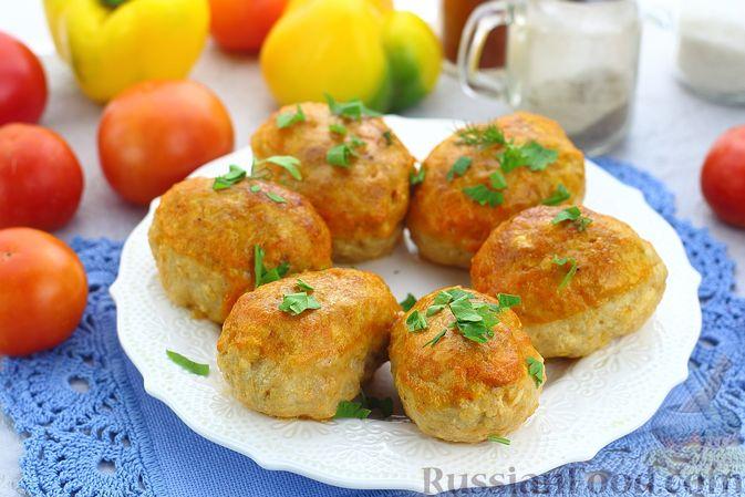 Фото к рецепту: Куриные котлеты в томатном соусе, в духовке