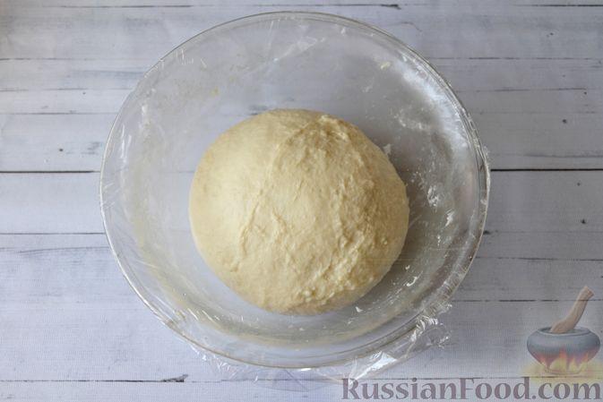 Фото приготовления рецепта: Сдобные булочки на мучной заварке, с вареньем - шаг №18