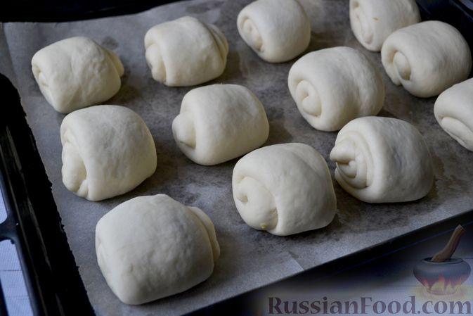 Фото приготовления рецепта: Сдобные булочки на мучной заварке, с вареньем - шаг №25