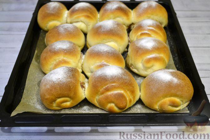 Фото приготовления рецепта: Сдобные булочки на мучной заварке, с вареньем - шаг №26