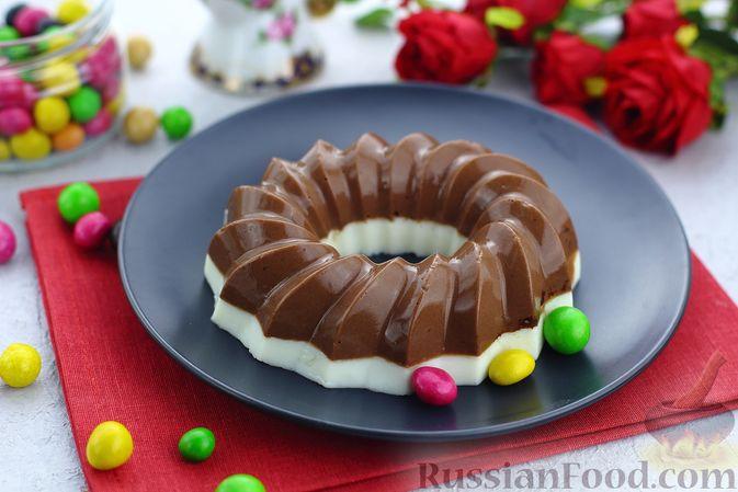 Фото к рецепту: Двухцветное кефирное желе с какао