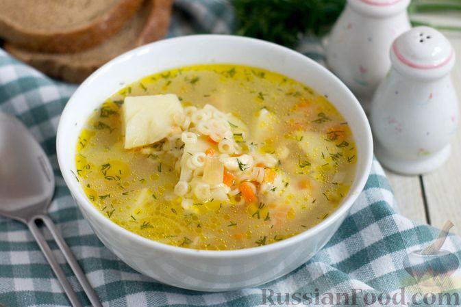 Фото к рецепту: Суп с копченым сыром и вермишелью