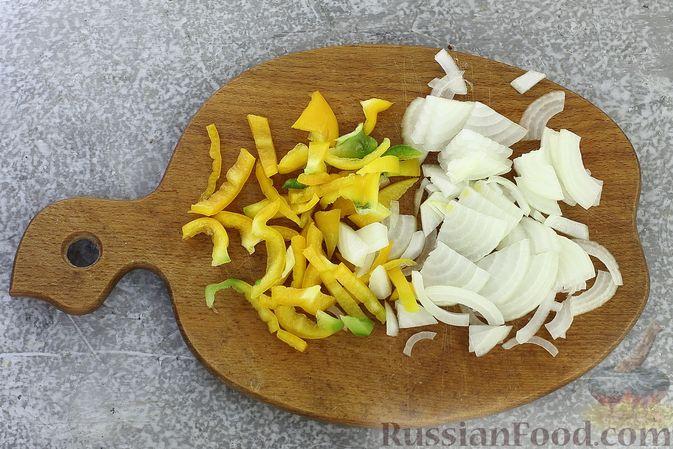 """Фото приготовления рецепта: Запеканка """"Ленивые голубцы"""" с шампиньонами - шаг №2"""