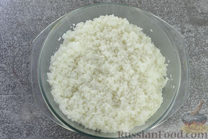 Фото приготовления рецепта: Зразы из риса с мясным фаршем, на сковороде - шаг №8