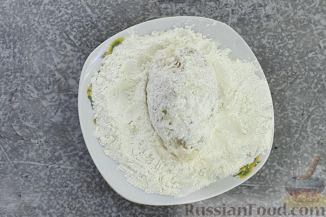 Фото приготовления рецепта: Зразы из риса с мясным фаршем, на сковороде - шаг №12