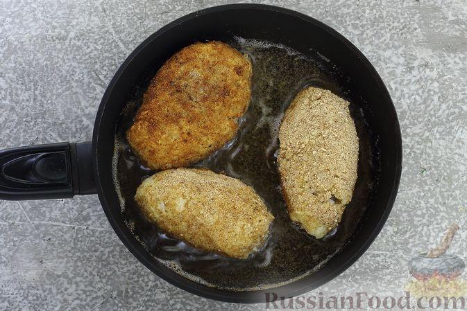 Фото приготовления рецепта: Зразы из риса с мясным фаршем, на сковороде - шаг №15