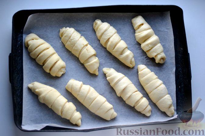Фото приготовления рецепта: Сдобные булочки с пудингом - шаг №17