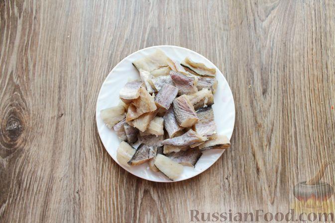 Фото приготовления рецепта: Рыбный суп с консервированными томатами - шаг №8