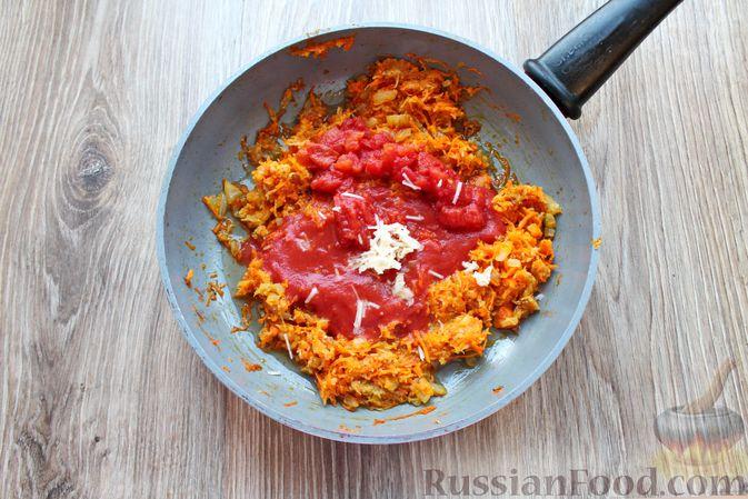 Фото приготовления рецепта: Рыбный суп с консервированными томатами - шаг №6
