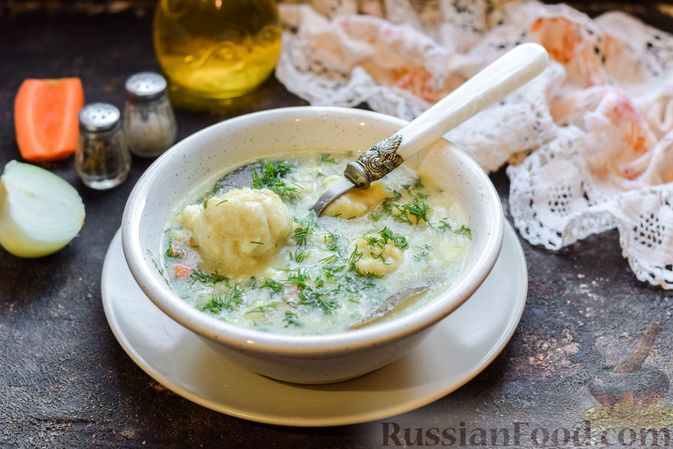 Фото к рецепту: Овощной суп с рыбными фрикадельками