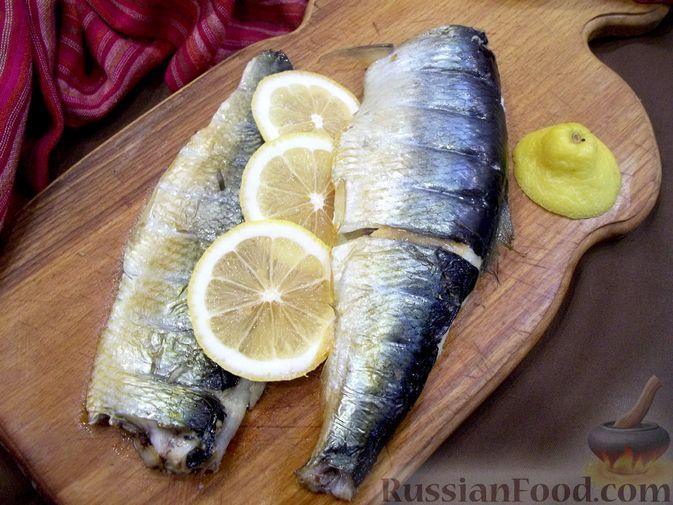 Фото приготовления рецепта: Копчёная рыба на сковороде - шаг №17
