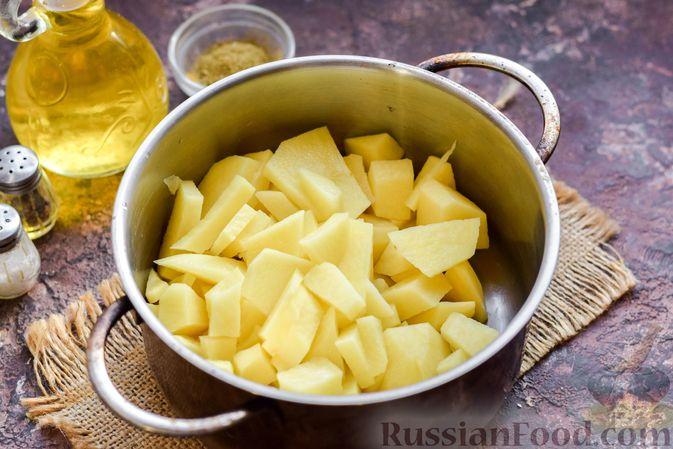 Фото приготовления рецепта: Запеканка из картофельного пюре, с куриной печенью - шаг №3
