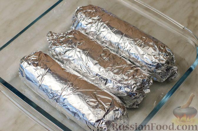Фото приготовления рецепта: Куриные рулеты с печенью, сладким перцем и сельдереем - шаг №17