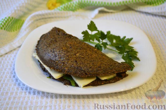Фото к рецепту: Льняная лепёшка без пшеничной муки (в микроволновке)