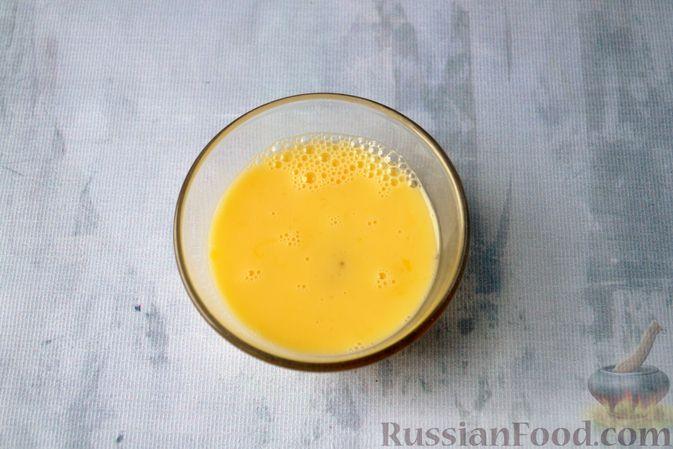Фото приготовления рецепта: Льняная лепёшка без пшеничной муки (в микроволновке) - шаг №6