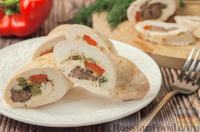 Фото к рецепту: Куриные рулеты с печенью, сладким перцем и сельдереем