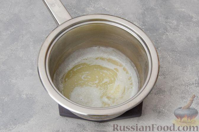 Фото приготовления рецепта: Запеканка из макарон с соусом бешамель и сыром - шаг №3