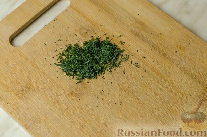 Фото приготовления рецепта: Мясные рулетики с омлетом, запечённые с картофелем и сливками - шаг №2