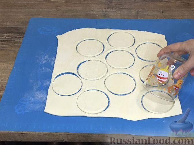 Фото приготовления рецепта: Волованы с курицей и грибами - шаг №3