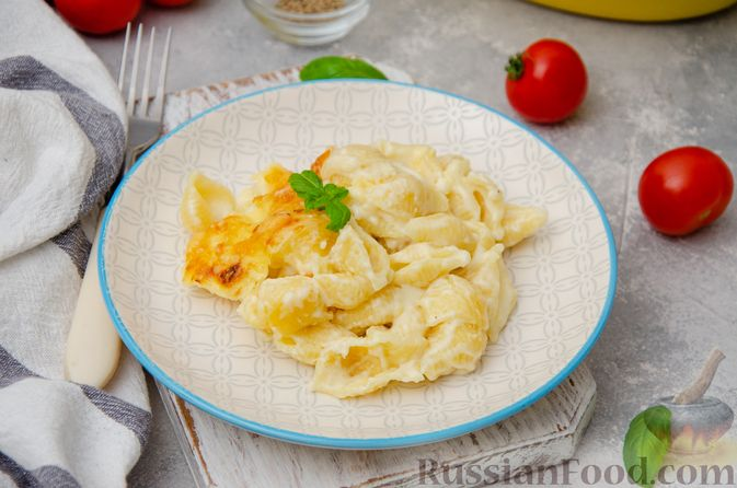 Фото приготовления рецепта: Запеканка из макарон с соусом бешамель и сыром - шаг №14