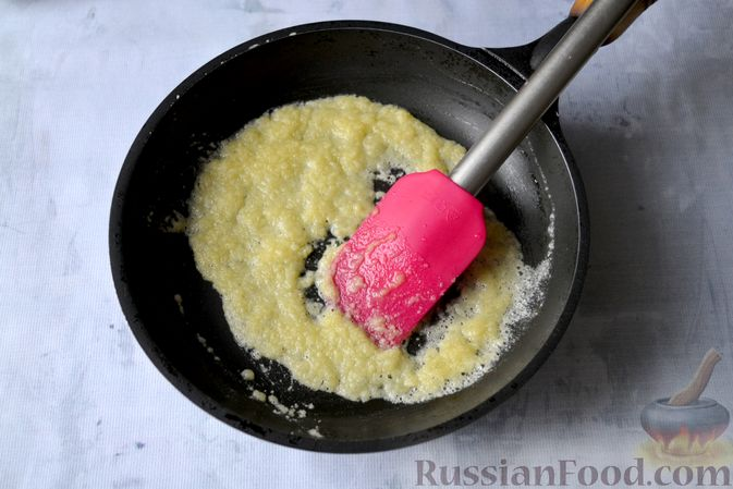 Фото приготовления рецепта: Лазанья с рыбой, помидором и сыром - шаг №6