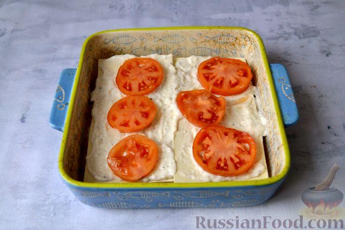 Фото приготовления рецепта: Лазанья с рыбой, помидором и сыром - шаг №14