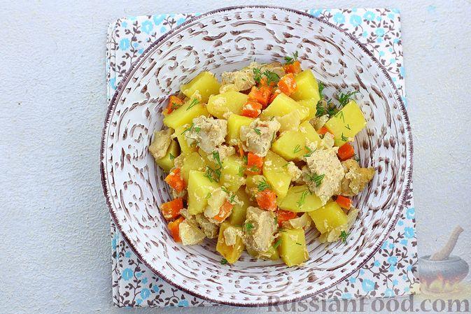Фото приготовления рецепта: Картошка, запечённая со свининой и сметаной (в рукаве) - шаг №10