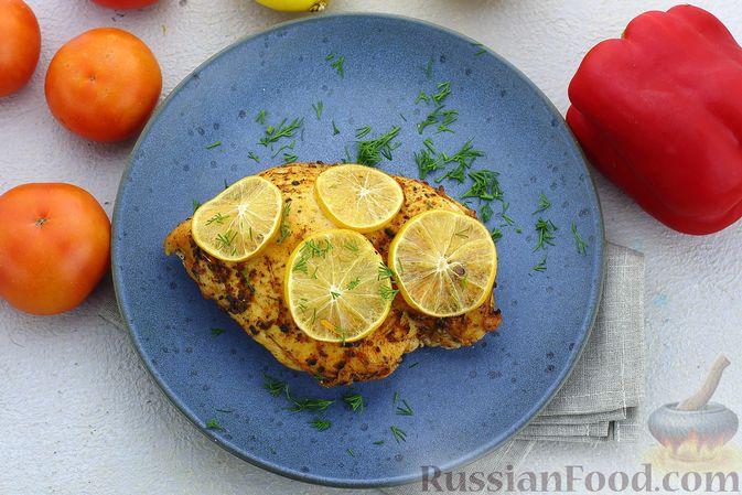 Фото приготовления рецепта: Куриное филе, запечённое с лимоном - шаг №8