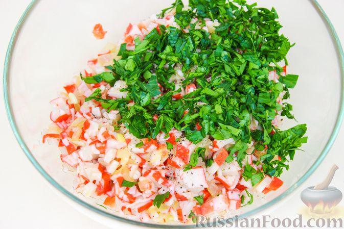 Фото приготовления рецепта: Фаршированные кальмары с крабовыми палочками - шаг №6