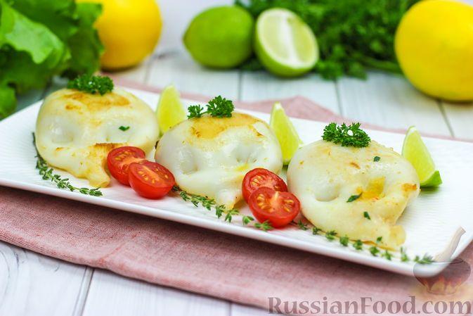 Фото приготовления рецепта: Фаршированные кальмары с крабовыми палочками - шаг №9