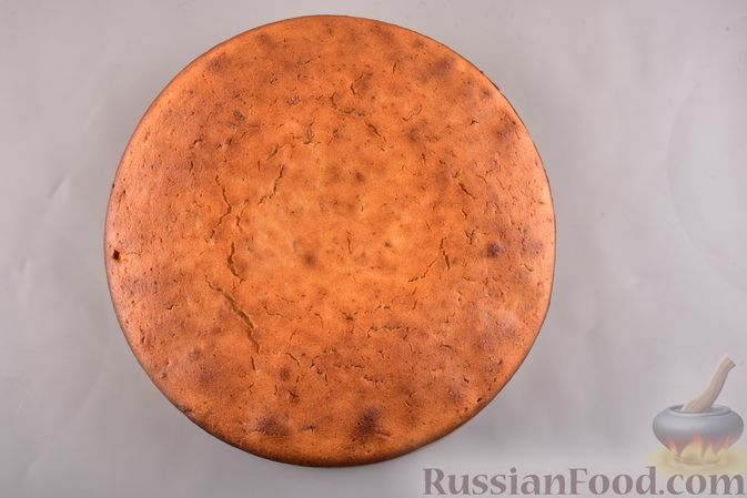 Фото приготовления рецепта: Несладкий манник на кефире, с плавленым сыром - шаг №8