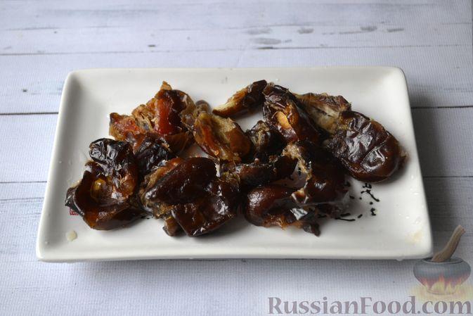 Фото приготовления рецепта: Морковные конфеты с финиками, курагой и изюмом - шаг №3