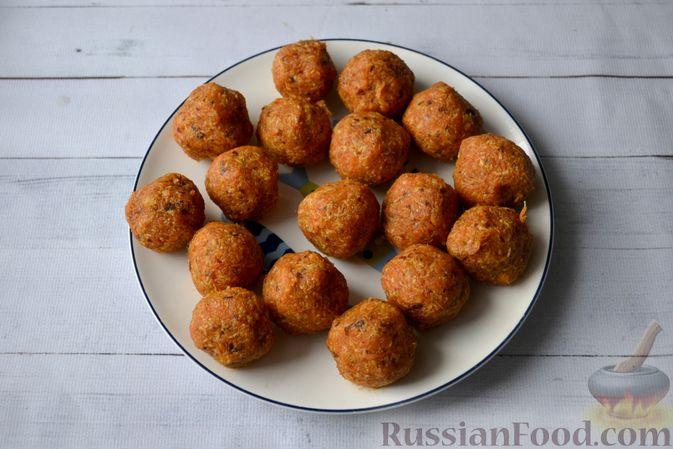 Фото приготовления рецепта: Морковные конфеты с финиками, курагой и изюмом - шаг №7