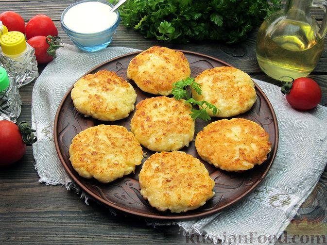 Фото к рецепту: Оладьи из плавленого сыра