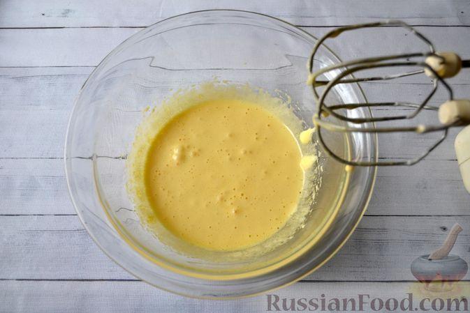 Фото приготовления рецепта: Творожно-сливочная запеканка с какао - шаг №5