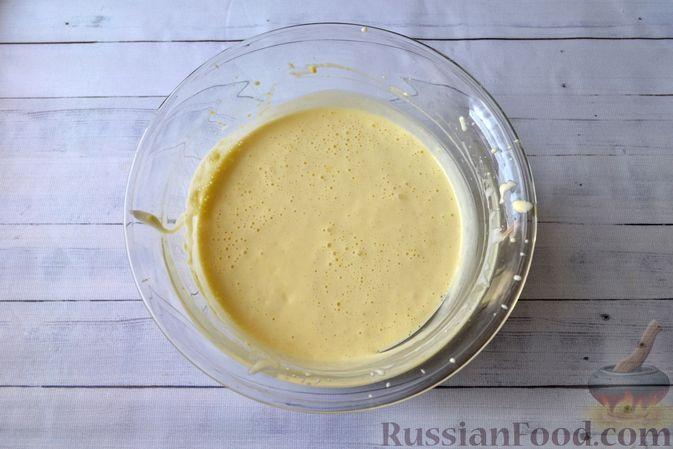 Фото приготовления рецепта: Творожно-сливочная запеканка с какао - шаг №9