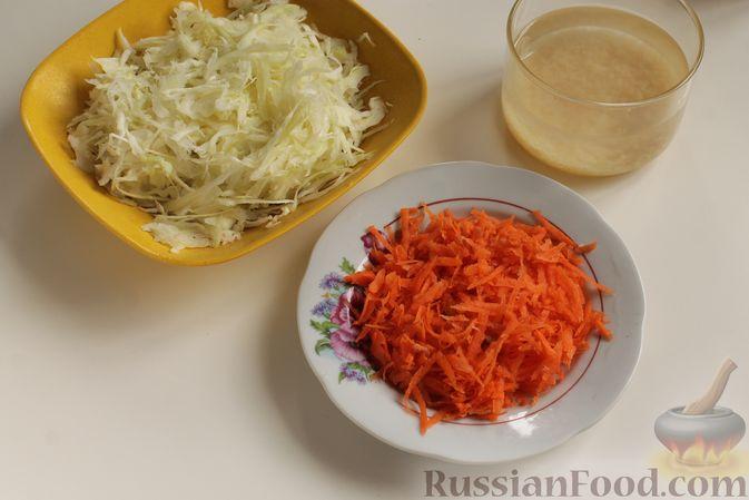 Фото приготовления рецепта: Капуста с рисом, в духовке - шаг №2