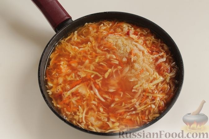 Фото приготовления рецепта: Капуста с рисом, в духовке - шаг №5