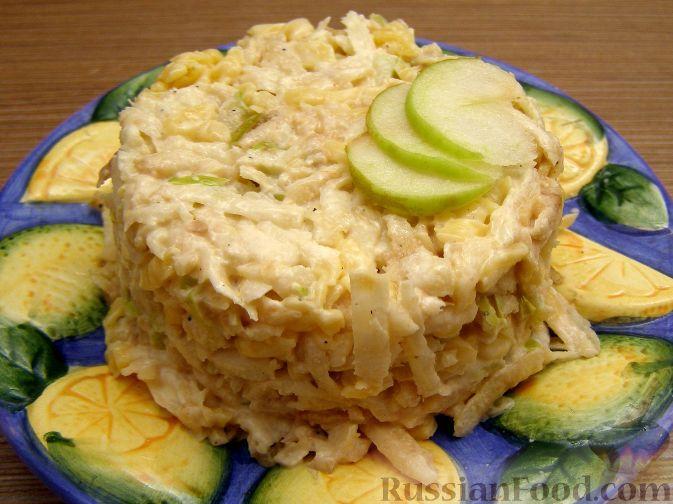 Рецепт Салат из сельдерея с сыром и яблоками